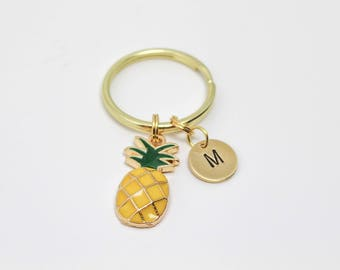 Personalized Pineapple Keychain, Dainty Fruit Keychain, Initial Keychain, Bridesmaid Favors, Summer Keychain, Best Friend Gift, BFF Gift