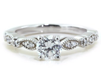 Bague de fiançailles Moissanite doux bonheur pour toujours un cadre de diamant