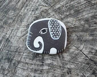 Flat Beach Slate Elephant