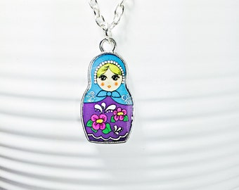 Russian Doll Necklace.Babushka Necklace.Nesting Doll Necklace.Matryoshka Pendant.Russian Doll Charm.Doll Necklace.Babushka Doll Charm