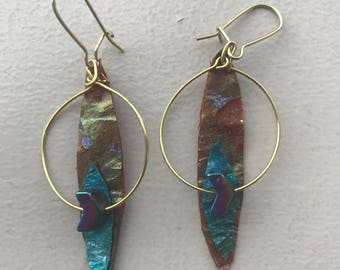 Reversible handpainted shimmer red and turquoise kombucha earrings with fire wusrtz stone and gold ring and hooks.