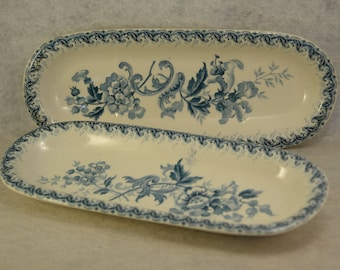 Two SOAP dishes or door - Combs - 19th century - old earthenware empty pockets - blue flowers - bathroom decor