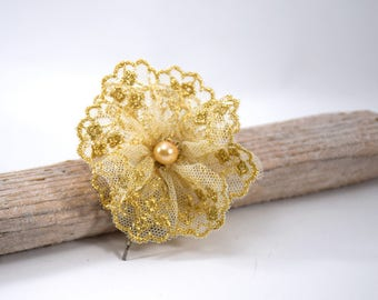 Lace flower hair clip, gold