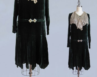 1920s Dress / Green Silk Velvet and Antique Lace Bib / S XS