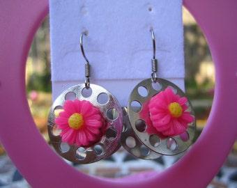 Sale Dark Pink Daisy flower dangle bobbin earrings