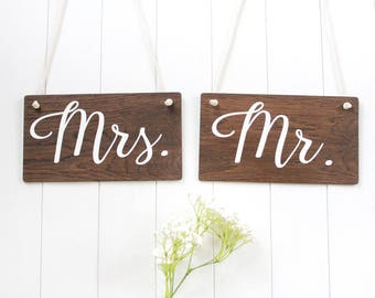 Mr and Mrs Signs, Rustic Wooden Wedding Signs, Wedding Chair Signs. Wedding Decor, Boho Wedding, Photo Prop Signs, Bridal Gift.
