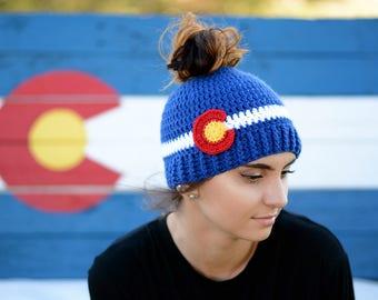 Colorado Crochet Messy Bun Beanie, Colorado Bun Hat, Blue and White Ponytail Hat, Colorado PonyTail Hat, Colorado Gift, Colorado Hat