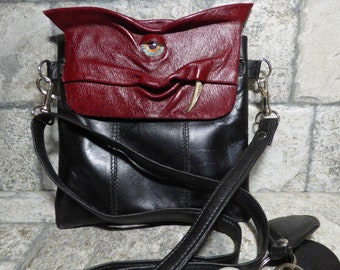 Small Cross Body Purse Pouch Monster Face Red Black Detachable Strap Leather Harry Potter Labyrinth 442