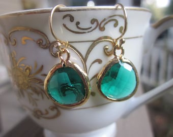 Emerald Green Earrings - Gold Plated -  Bridesmaid Earrings - Bridal Earrings