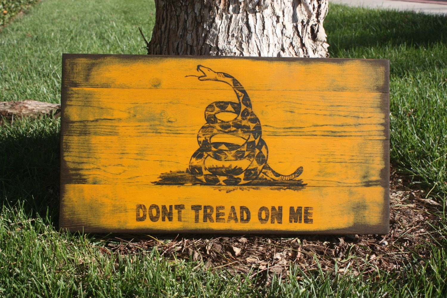 Don\'t Tread On Me sign Gadsden Flag hand painted