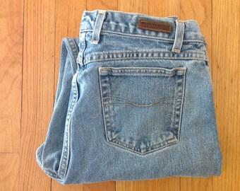 1980s GLORIA VANDERBILT  high waisted mom jeans, vintage size 14, waist 32 inches, light wash