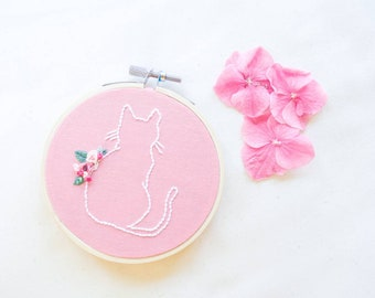 Small embroidry hoop art kitten silhouette with flowers