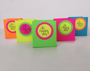 Oh happy day! 10 Bright neon party favors!!