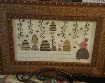Babushka's Bees by Plum Street Samplers