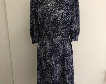 Vintage dress // 1970s // bowtie print
