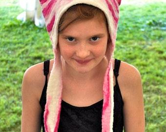 Alice au pays des merveilles Cheshire Cat Déguisements costume coiffe Bagpuss chapeau en cerise rose et blanc à rayures fait main laine feutrée
