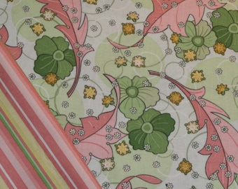 Insulated Casserole Carrier: Pink and Green Flowers on Cream, Personalization Available