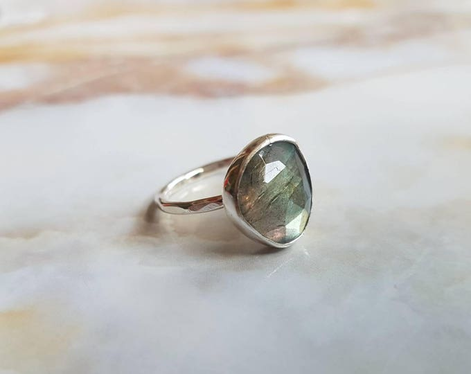 Featured listing image: Ring Labradorite 925 Sterling Silver / Anniversary Gift / Minimal / Geometric / Engagement / Blue Green Gold / Gemstone / Jewelry / Faceted