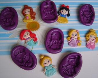Lot of 6 Silicone molds Ariel princesses, Rapunzel, Snow White, Bella, Cinderella, Aurora