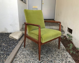 MID CENTURY MODERN Upholstered Armchair In Green Velvet (Los Angeles)