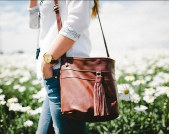 SALE Bucket Bag in Chestnut Brown / Leather Bucket Bag / Leather Bag / Fringe Bag / Bucket Bag / Leather Handbag /Leather Tote /