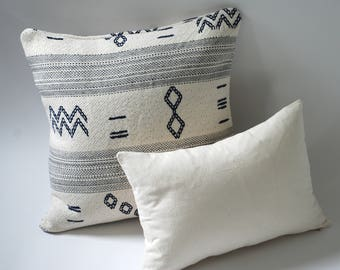 Rowling & Dixon // Farmhouse Pillow Covers // Farmhouse Throw Pillows // Farmhouse Rustic Decor