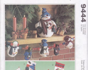 Free Us Ship Sewing Pattern McCall's 9444 Fall Christmas Holiday Snowman Mitten Garland Ornaments Dolls Frost Friends Factory Folded