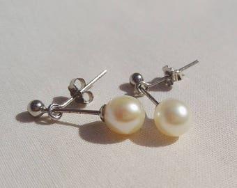 Cupid freshwater cultured pearl earrings