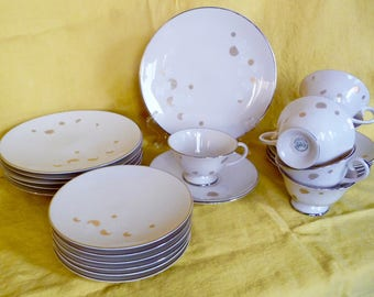 Flintridge New Moon Fine China Tea and Luncheon PlatesCups Saucers Service for 6 California