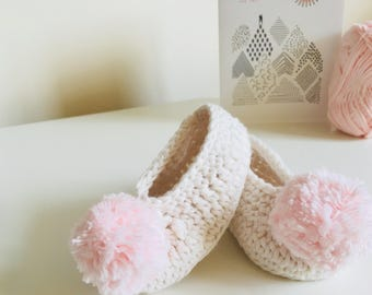 Handmade baby pompom shoes