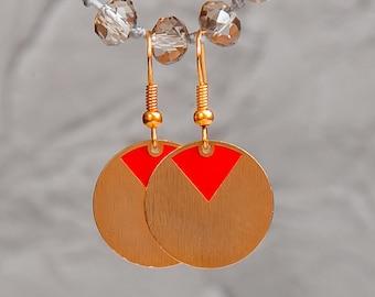 Red geometric round gold earrings, everyday gold red round earrings, red minimal earrings, gold disc earrings