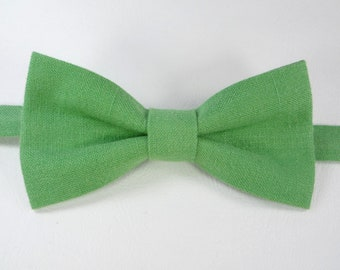 Green Bow Tie For Wedding, Green Linen bow tie, Bow Tie For Groomsmen, Mens bow tie, bow ties for men, kid's bow tie, baby bow tie.