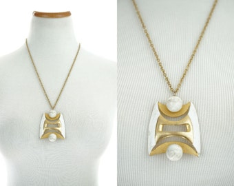 1960s Mod Necklace / Vintage J.J. Modernist Necklace / Pendant Necklace / Abstract Design