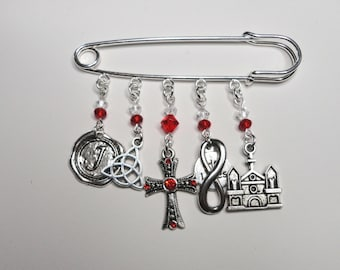 Kilt Pin with Charms, Swarovski Crystals, Shimmer Crystals, Scotland Inspired, Jamie Themed