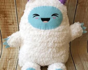Crochet Yeti Ragdoll Stuffed Animal Plush