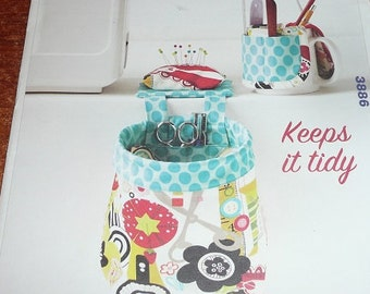 Kwik Sew Pouch With Pincushion & Cup Organizer Sewing Pattern