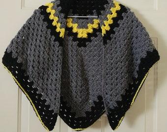 Crochet Triangle Wrap -  Cozy Triangle Wrap - Triangle Shawl