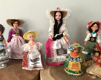 Lot of 8 Vintage Dolls of the world -Dolls of Italy-Dolls of the world Souvenir Dolls
