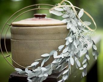 Minimalist Wreath, Seeded Eucalyptus Wreath, Modern Wreath, White Washed  Eucalyptus, Teardrop Eucalyptus