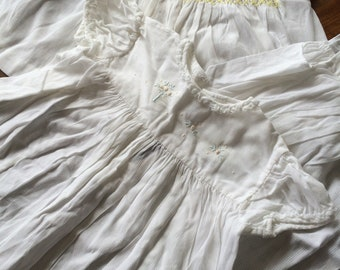 2x 1950's girl's dresses 20 chestx14 length plus one petticoat. The white house. Quality. Strong