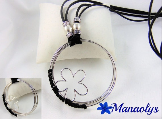 Necklace fashion, original, large rings and silver flowers, Black Suede cords
