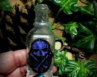 Bottle  Small Vintage Halloween Decoration Skull & Crossbones Poison Bottle