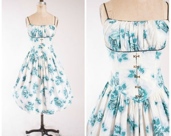 Stunning 1950s Sundress With Shelf Bust