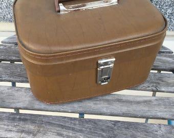 1960s vintage travel cosmetics case