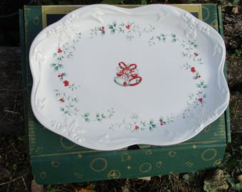 "REDUCED Vtg PFALTZGRAFF Winterberry Pattern Large Scallop Edge Holiday Serving PLATE Christmas Turkey Platter, 15"" x 10.75"","