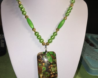 green sea treasure necklace