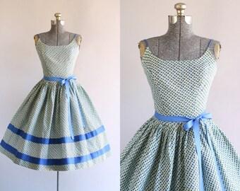 Vintage 1950s Dress / 50s Cotton Dress / Cover Girl of Miami Blue Floral Sun Dress XS/S