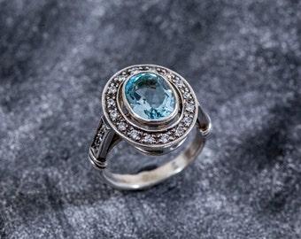 Blue Topaz Ring, Natural Blue Topaz, Vintage Topaz Ring, Vintage Ring, Topaz Ring, December Birthstone, Antique Ring, Antique Topaz Ring