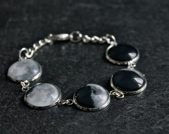 Moon phase Bracelet La luna - Phases of the Moon - Glass Dome Statement Bracelet