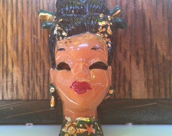 "Wonderful Elzac Copa de Oro Hand Painted Lady Face Brooch ""China Lady"" Dated 1946"